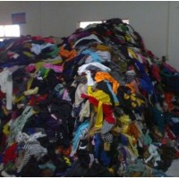 大量出口的旧服装、裤子