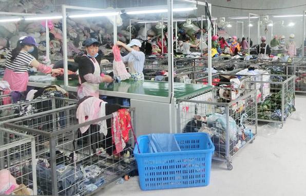 旧衣服行业开始洗牌,价格普遍下滑
