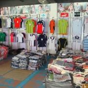 上海库存服装回收、上海服装回收、、外贸服装回收