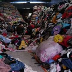 重庆供应旧夏装、冬装、鞋、包、棉、毛线、羽绒服、毛领等等