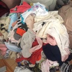 供应四季衣服、裤子、鞋子、包包