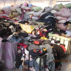 供应旧衣服,鞋,包包,