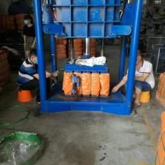 广州工厂出口打包旧衣服