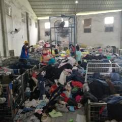 广州工厂出口肯尼亚旧衣服