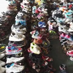 福建工厂长期出口二手旧鞋子