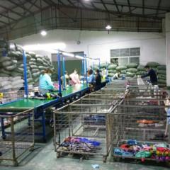 中山工厂的各式夏装7成到九成新正在加急的分拣,赶紧来询!!!