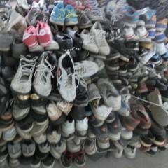 长期回收出口旧鞋,旧衣服