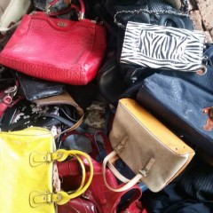 销售用于出口的二手旧皮包