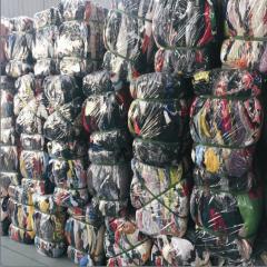曹州工厂长期供应二手旧衣服大量出口非洲与东南亚国家