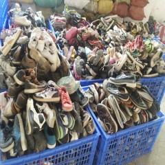 广州工厂长期出口二手鞋子。旧衣服夏装,包包,