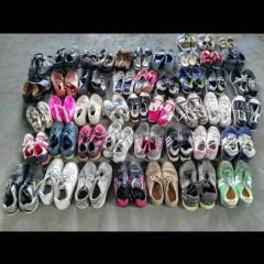 本公司常年回收且出口旧鞋子 旧衣服