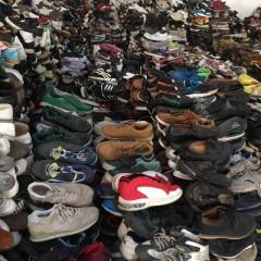 长期出口和供应二手鞋子