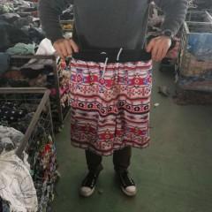 广州工厂常年出口旧牛仔裤,沙滩裤等