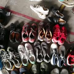 广州工厂常年出口旧鞋子,满足于各国客户的要求!