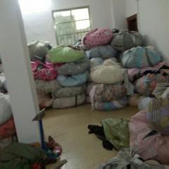常年供应优质旧鞋子、旧夏装统货、旧白布、旧包包,月供100吨