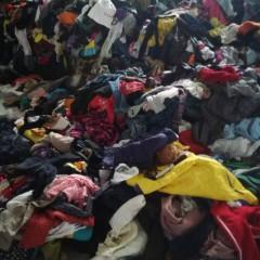 长期回收旧衣服统货 箱子货