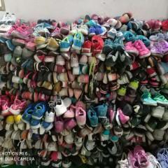 常年供应旧鞋子,专业出口非洲,东南亚,中东地区!