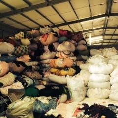 长期供应箱子货,冬衣,夏衣,鞋子
