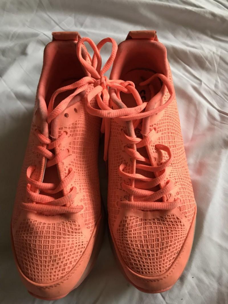 女运动鞋1