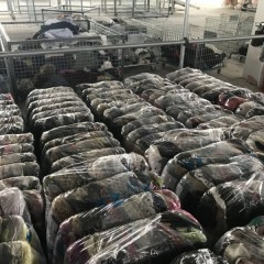 供应二手衣服,出口非洲各国。