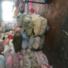 大量出售羽绒服,羊毛衫,夏装等