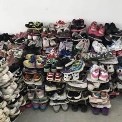 供应优质二手鞋以及库存鞋