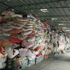 广州专业旧衣回收出口公司面向全国回收夏装皮包鞋子