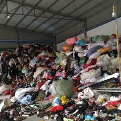 高价回收旧衣服箱子统货