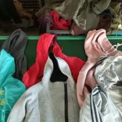 河北工厂长期供应优质春秋装,每个月供货量在1-2个柜!!!