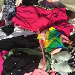 长期收购箱子货,旧衣服统货,棉花
