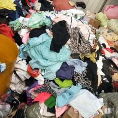 大量回收旧衣服(内衣,内裤,短裤,T恤,鞋子,棉花,拉链)