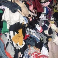 大量分拣好旧衣服,月供可500加