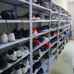 高价回收国际名牌男女运动鞋,运动鞋35一双,篮球鞋50一双