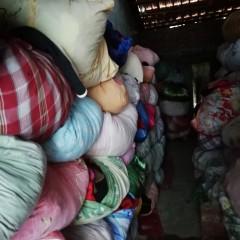 长期出售冬装夏装毛衣大白鞋子包包