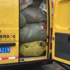 长期供应优质夏装、冬装、包包