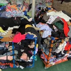 大量供应夏季旧衣服