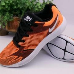 大量 出售库存新新鞋