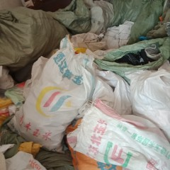 大量旧衣服鞋子包包出口非洲东亚南