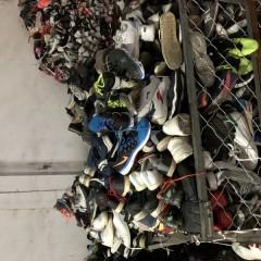 南京工厂长期大量供应优质运动鞋,精品鞋,库存鞋!!!