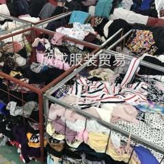 供应出口用的夏季旧衣服