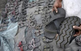 回收旧鞋子