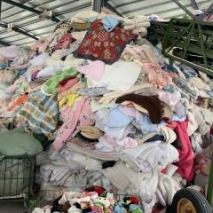 常年可供应拆绒厂羽绒服