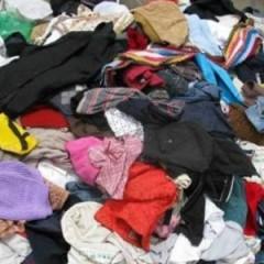 现有大量旧衣服鞋子,需要出,有需要可以联系